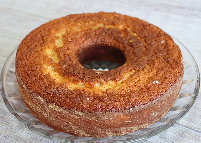 Bolo de limão: Desenforme o bolo